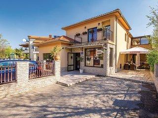 Nice home in Jurdani w/ WiFi and 2 Bedrooms