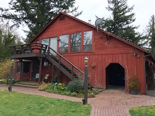 Bunkhouse retreat · Minto-Brown Island Bunkhouse Retreat Salem Oregon