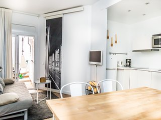 Centric and cosy apartment ideal for couples - Opening Doors Gal.la