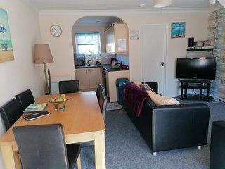 Daviden 3 Bedroom Seaside Villa. Corton.