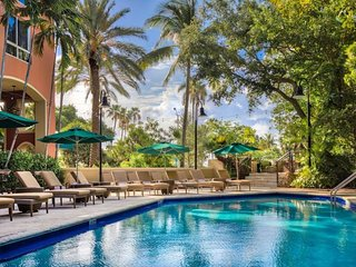 COCONUT GROVE ESCAPE, 1BR SUITE, POOL, SAUNA