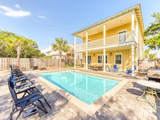 Large home near the beach w/ four master suites plus pool & basketball court