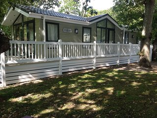 Lodge at Shorefield Country Park - Sleeps 6