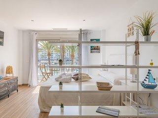 FRONT-LINE Puerto La Duquesa NEW! Enchanting Romantic Studio Ideal for Couples