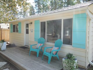 Renovated 3 bedroom 2 minute walk to the lake and beach! Close to Sauble River