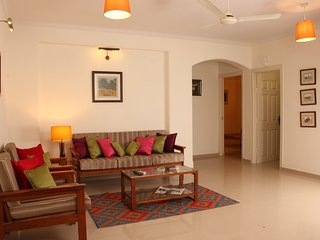 'Jaipur Apartment Stays' T-1 2BHK Balc Private Secluded Central Leafy Civil Line