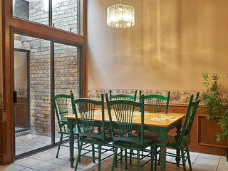 Vista Verde 102, Cozy 2 bedroom, 2 bathroom, 2 car garage in Brownsville