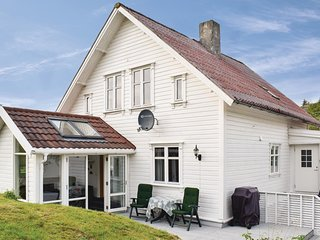 Amazing home in Skudeneshavn w/ WiFi and 3 Bedrooms (N17347)