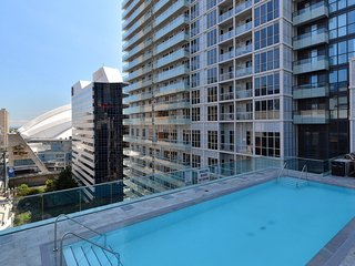 300 Front Street - 1 Bedroom/1 Bathroom Suite