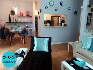 LUXURY for LESS ! Modern Comfort, Near Beaches, Shops, Restaurants