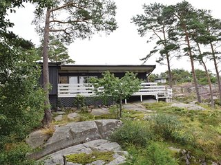 Awesome home in Vesterøy w/ 4 Bedrooms (N37296)