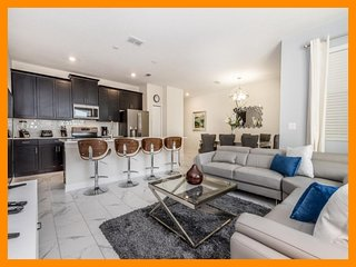 Championsgate 333 - Stylish townhouse with private pool near Disney