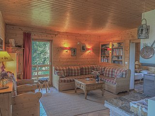 Chardon Bleu - Spacious 12-14p ski chalet with stunning views