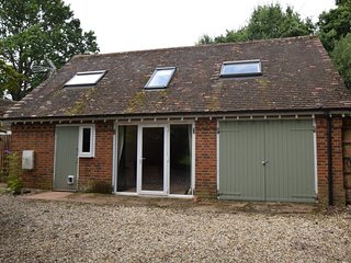 76555 Wing situated in Romsey (4.5mls SW)