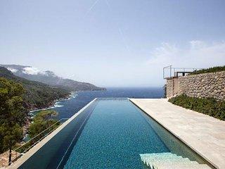 Villa Deia Deluxe