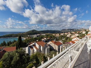 Apartments Villa Enzian - Comfort Two Bedroom Apartment with Balcony and Sea