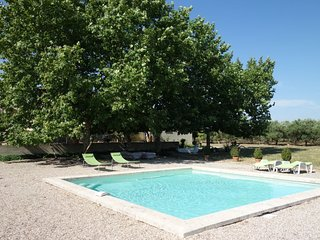 Nice home in Saint Gilles w/ Outdoor swimming pool, WiFi and WiFi