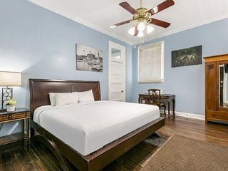 Furnished Studio Steps to NOLA Hot Spots