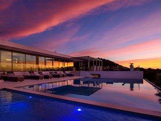 Modern villa with sea access and incredible views