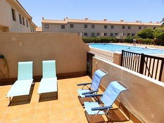 Amplio Duplex de 3 habitaciones con terraza y piscina en El Medano