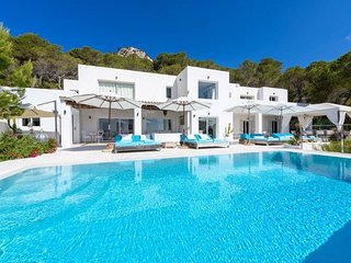 Villa La Casa Romero, in the heart of Ibiza's golden mile