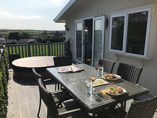 Lodge with Hot Tub on a Small friendly park - near Cemaes bay - Anglesey