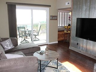 Great Holiday Getaway! Luxury on a Budget! Panoramic Table Rock Lake View, Penth