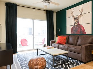 Sleek 1BR Apt in West Campus #210 by WanderJaunt