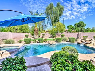 Tranquil Oasis w/ Fire Pit & Bar ~1 Mi to SanTan!