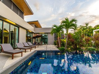Villa Tinggi by TropicLook