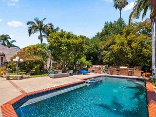 NEW LISTING! Mediterranean Villa! Pool - Tennis Court - Jacuzzi - Outdoor Firepl