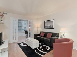 DelSuites - Qwest - 2 Bedroom/2 Bathroom Suite