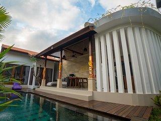 Royani Villa Suite