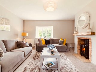 Stylish Family Cottage Sleeps 4, For Long Rental,Oxford,Stratford Upon Avon