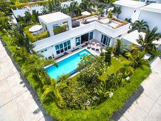HOLLYWOOD Private Pool Villa 3 bedroom Jomtien Beach, BBQ Grill, Jacuzzi