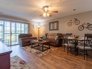 Serene updated 2 bedroom 2 bath condo at The Champions!