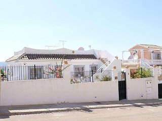 Howay Inn, A sector Camposol. Family villa sleeps 6 Jacuzzi.