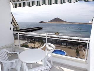 Apartamento con piscina y vistas al mar en el Medano