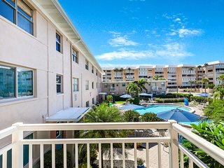 Lovely, oceanfront condo w/ a balcony & shared pool - walk to the beach!