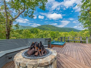 Luxury Log Cabin with Mountain View 3BR 2BA | Hot Tub | Gas Fire Pit | Private