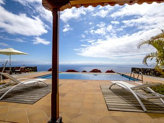 Beautiful house with 180 degree sea view