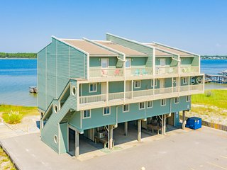 Summerhouse West / 1BR 2BA Condo / Lagoon Views