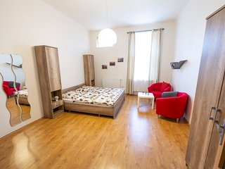 One bedroom apartment in nice area near park Stromovka by easyBNB
