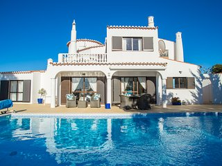 3 Bedroom Villa With Heated Pool, Next To Golf & Close To Beaches