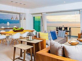 Icon Vallarta Cozy, Private Beachfront Condo