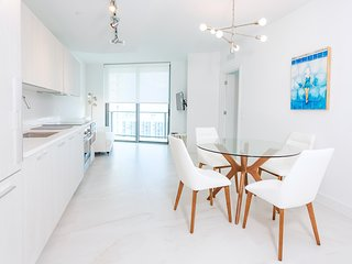 HIGH-END MODERN 1 BEDROOM APT IN EDGEWATER MIAMI