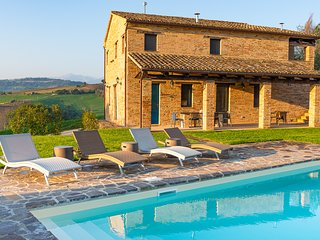 Casa Pace e Gioia - restored farmhouse with pool, views, olive trees, grapevines