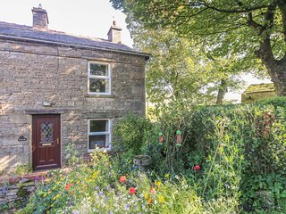 SYCAMORE COTTAGE, pet friendly, character holiday cottage, with a garden in