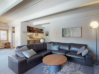 NEW LISTING - Charming Copper Condo with shared hot tub & sauna!