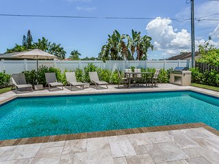 Beautiful home in Naples Park w/ saltwater pool - near premiere beaches & shops!